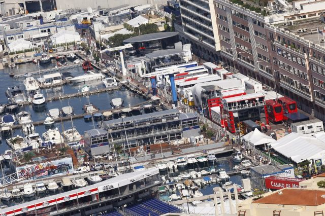 The paddock is assembled adjacent to the harbour. © LAT Photographic