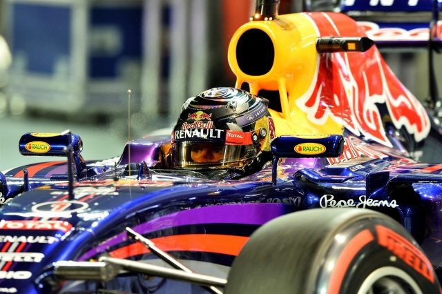 Sebastian Vettel (GER) Red Bull Racing RB10. Formula One World Championship, Rd14, Singapore Grand Prix, Marina Bay Street Circuit, Singapore, Qualifying, Saturday, 20 September 2014 © Sutton Images. No reproduction without permission