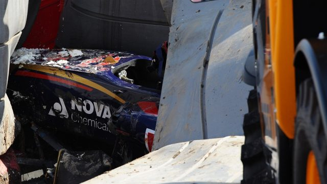The crashed car of Sainz jr (ESP) Scuderia Toro Rosso under the tech pro barrier in FP3 at Formula One World Championship, Rd15, Russian Grand Prix, Qualifying, Sochi Autodrom, Sochi, Krasnodar Krai, Russia, Saturday 10 October 2015. &copy&#x3b; Sutton Motorsport Images