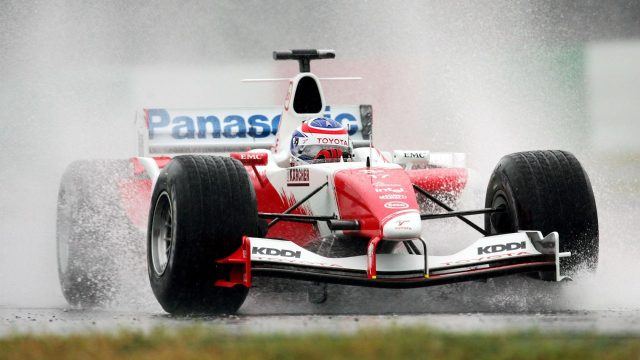 Olivier Panis (FRA) Toyota TF104B.