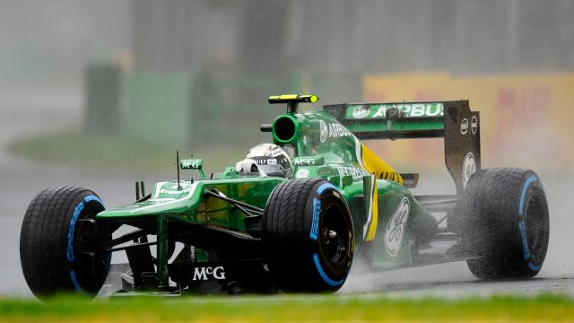 Giedo van der Garde (NDL) Caterham CT03 crashed into the wall. His front wing is trapped beneath the car. Formula One World Championship, Rd1, Australian Grand Prix, Qualifying, Albert Park, Melbourne, Australia, Saturday 16 March 2013. &copy&#x3b; Sutton Motorsport Images