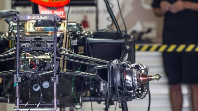 Lotus E23 Hybrid front wheel hub and front suspension at Formula One World Championship, Rd17, Mexican Grand Prix, Preparations, Circuit Hermanos Rodriguez, Mexico City, Mexico, Thursday 29 October 2015. &copy&#x3b; Sutton Motorsport Images