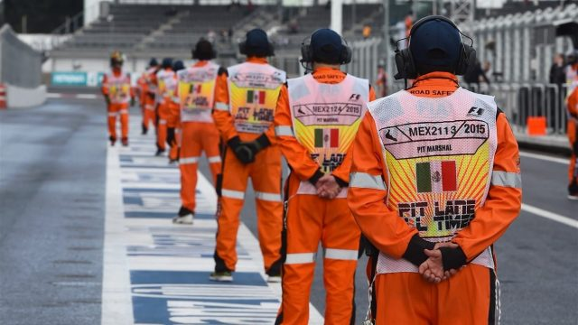Marshals at Formula One World Championship, Rd17, Mexican Grand Prix, Practice, Circuit Hermanos Rodriguez, Mexico City, Mexico, Friday 30 October 2015. &copy&#x3b; Sutton Motorsport Images