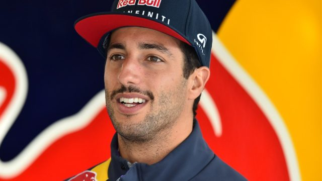 Daniel Ricciardo (AUS) Red Bull Racing at Formula One World Championship, Rd17, Mexican Grand Prix, Practice, Circuit Hermanos Rodriguez, Mexico City, Mexico, Friday 30 October 2015. &copy&#x3b; Sutton Motorsport Images