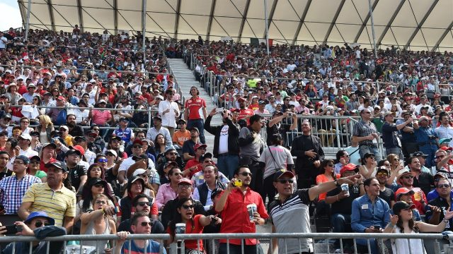 The crowd at Formula One World Championship, Rd17, Mexican Grand Prix, Race, Circuit Hermanos Rodriguez, Mexico City, Mexico, Sunday 1  November 2015. &copy&#x3b; Sutton Motorsport Images