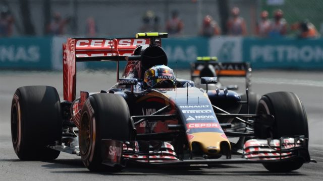 Carlos Sainz (ESP) Scuderia Toro Rosso STR10 at Formula One World Championship, Rd17, Mexican Grand Prix, Race, Circuit Hermanos Rodriguez, Mexico City, Mexico, Sunday 1  November 2015. &copy&#x3b; Sutton Motorsport Images