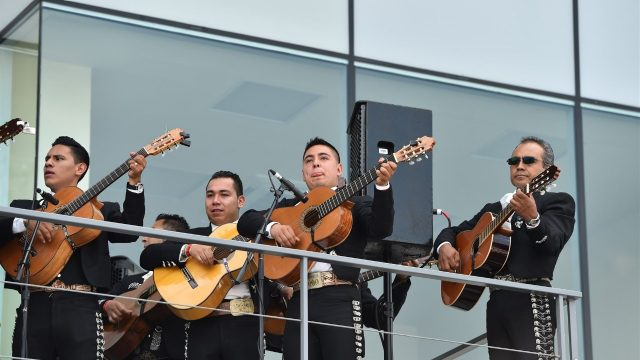 Mariachi and singer at Formula One World Championship, Rd17, Mexican Grand Prix, Race, Circuit Hermanos Rodriguez, Mexico City, Mexico, Sunday 1  November 2015. &copy&#x3b; Sutton Motorsport Images
