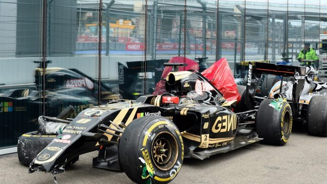The recovered car of Romain Grosjean (FRA) Lotus E23 Hybrid after crashing out of the race at Formula One World Championship, Rd15, Russian Grand Prix, Race, Sochi Autodrom, Sochi, Krasnodar Krai, Russia, Sunday 11 October 2015. &copy&#x3b; Sutton Motorsport Images