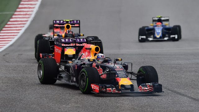 Daniel Ricciardo (AUS) Red Bull Racing RB11 leads Daniil Kvyat (RUS) Red Bull Racing RB11 at Formula One World Championship, Rd16, United States  Grand Prix, Race, Austin, Texas, USA, Sunday 25 October 2015. &copy&#x3b; Sutton Motorsport Images