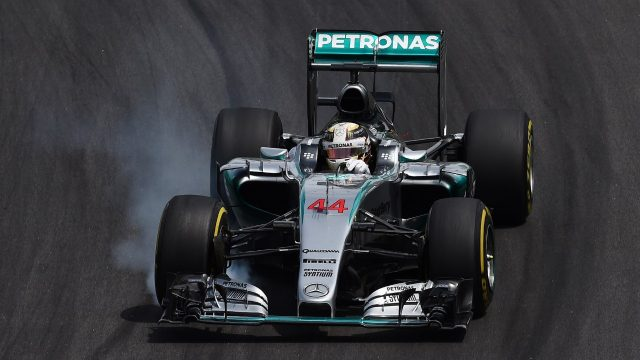 Lewis Hamilton (GBR) Mercedes AMG F1 W06 locks up at Formula One World Championship, Rd18, Brazilian Grand Prix, Race, Interlagos, Sao Paulo, Brazil, Sunday 15 November 2015. &copy&#x3b; Sutton Motorsport Images