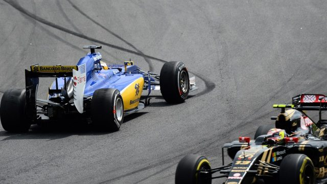 Marcus Ericsson (SWE) Sauber C34 spins after coming together with Pastor Maldonado (VEN) Lotus E23 Hybrid at Formula One World Championship, Rd18, Brazilian Grand Prix, Race, Interlagos, Sao Paulo, Brazil, Sunday 15 November 2015. &copy&#x3b; Sutton Motorsport Images