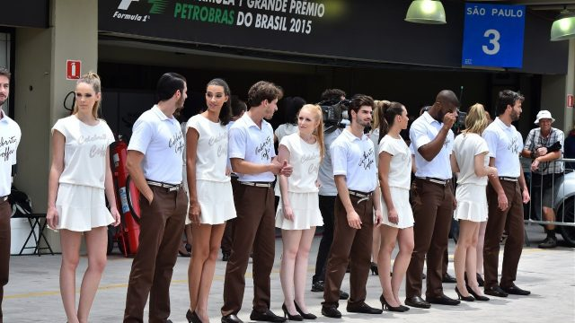 Grid girls and grid boys at Formula One World Championship, Rd18, Brazilian Grand Prix, Race, Interlagos, Sao Paulo, Brazil, Sunday 15 November 2015. &copy&#x3b; Sutton Motorsport Images