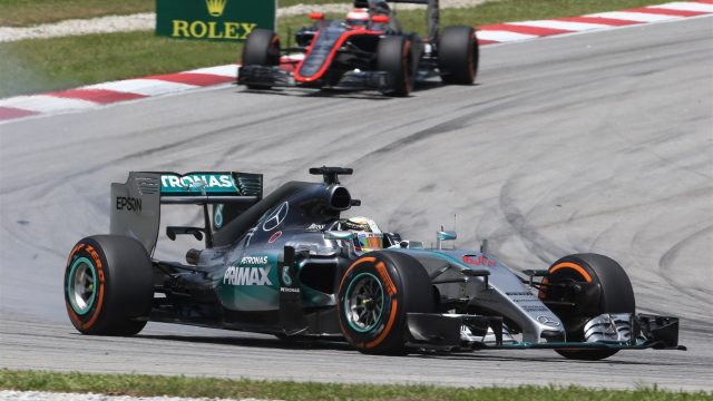 Lewis Hamilton (GBR) Mercedes AMG F1 W06 at Formula One World Championship, Rd2, Malaysian Grand Prix, Qualifying, Sepang, Malaysia, Saturday 28  March 2015. &copy&#x3b; Sutton Motorsport Images