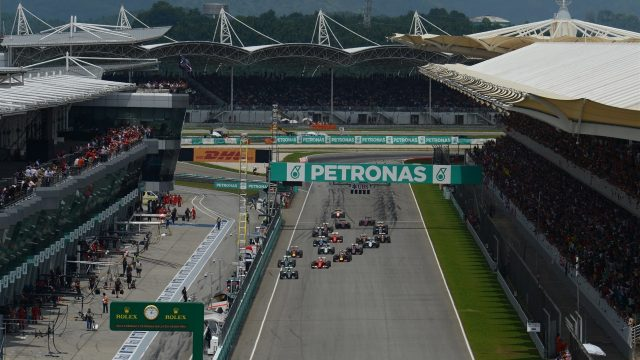 Lewis Hamilton (GBR) Mercedes AMG F1 W06 leads at the start at Formula One World Championship, Rd2, Malaysian Grand Prix, Race, Sepang, Malaysia, Sunday 29 March 2015. &copy&#x3b; Sutton Motorsport Images