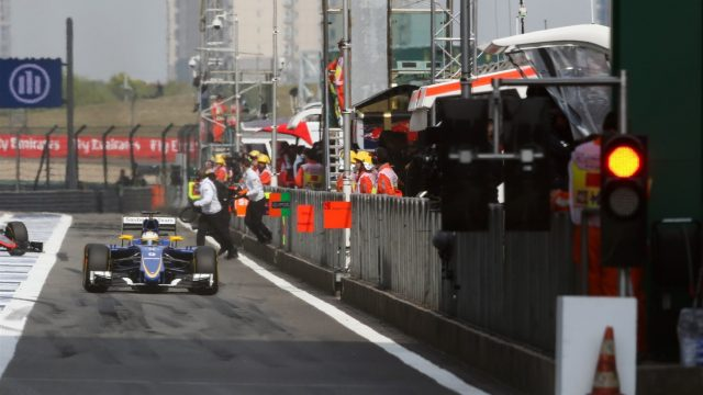 Red light at the end of the pitlane at Formula One World Championship, Rd3, Chinese Grand Prix, Practice, Shanghai, China, Friday 10 April 2015. &copy&#x3b; Sutton Motorsport Images