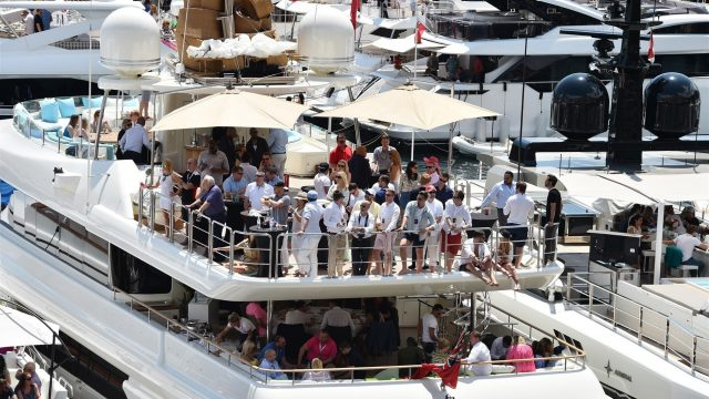 Fans on boat at Formula One World Championship, Rd6, Monaco Grand Prix Race, Monte-Carlo, Monaco, Sunday 24 May 2015. &copy&#x3b; Sutton Motorsport Images