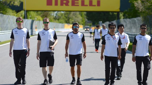 Fernando Alonso (ESP) McLaren walking the track at Formula One World Championship, Rd7, Canadian Grand Prix, Preparations, Montreal, Canada, Thursday 4 June 2015. &copy&#x3b; Sutton Motorsport Images