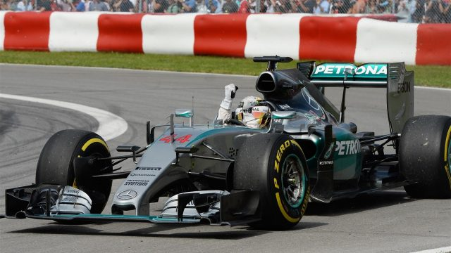 Race winner Lewis Hamilton (GBR) Mercedes AMG F1 W06 waves to the crowd at Formula One World Championship, Rd7, Canadian Grand Prix, Race, Montreal, Canada, Sunday 7 June 2015. &copy&#x3b; Sutton Motorsport Images