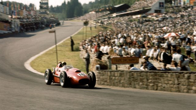 Luigi Musso (Ferrari Dino 246) crosses the bridge at the bottom of the hill. 1958 Belgian Grand Prix, Spa-Francorchamps. &copy&#x3b; LAT Photographic