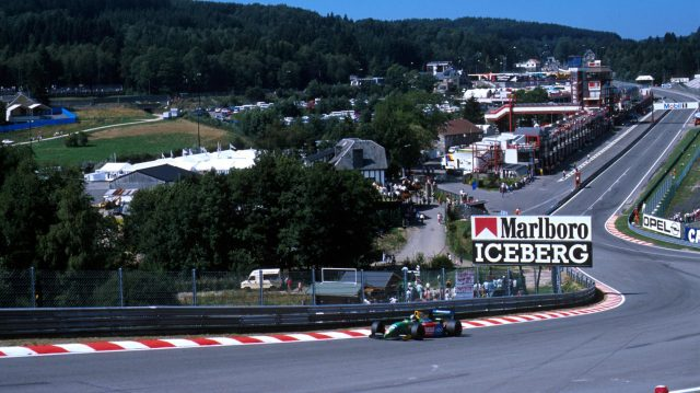 Alessandro Nannini through Eau Rouge, 1990 Belgian Grand Prix. ©Sutton Motorsport Images