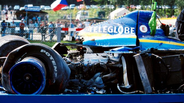 The remains of Jacques Villeneuve's BAR after his qualifying accident at Eau Rouge in 1999. ©Sutton Motorsport Images