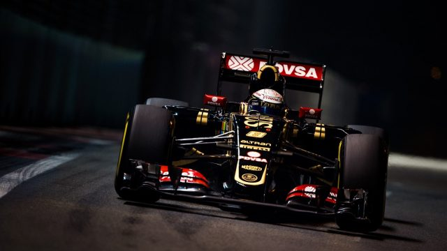Romain Grosjean (FRA) Lotus E23 Hybrid at Formula One World Championship, Rd13, Singapore Grand Prix, Practice, Marina Bay Street Circuit, Singapore, Friday 18 September 2015. &copy&#x3b; Sutton Motorsport Images