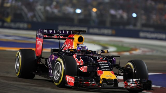 Daniel Ricciardo (AUS) Red Bull Racing RB11 at Formula One World Championship, Rd13, Singapore Grand Prix, Race, Marina Bay Street Circuit, Singapore, Sunday 20 September 2015. &copy&#x3b; Sutton Motorsport Images