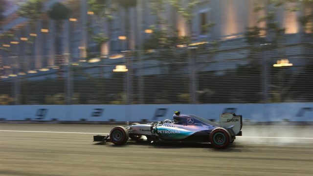 Nico Rosberg (GER) Mercedes AMG F1 W06 at Formula One World Championship, Rd13, Singapore Grand Prix, Qualifying, Marina Bay Street Circuit, Singapore, Saturday 19  September 2015. &copy&#x3b; Sutton Motorsport Images