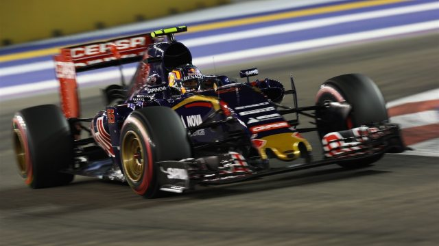 Carlos Sainz jr (ESP) Scuderia Toro Rosso STR10 at Formula One World Championship, Rd13, Singapore Grand Prix, Qualifying, Marina Bay Street Circuit, Singapore, Saturday 19  September 2015. &copy&#x3b; Sutton Motorsport Images