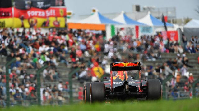 Max Verstappen (NED) Red Bull Racing RB12 at Formula One World Championship, Rd17, Japanese Grand Prix, Race, Suzuka, Japan, Sunday 9 October 2016. &copy&#x3b; Sutton Images