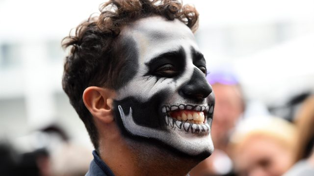 Daniel Ricciardo (AUS) Red Bull Racing with Day of the Dead face paint at Formula One World Championship, Rd19, Mexican Grand Prix, Preparations, Circuit Hermanos Rodriguez, Mexico City, Mexico, Thursday 27 October 2016. &copy&#x3b; Sutton Images