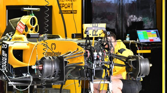Renault Sport F1 Team RS16 front suspension and detail at Formula One World Championship, Rd19, Mexican Grand Prix, Preparations, Circuit Hermanos Rodriguez, Mexico City, Mexico, Thursday 27 October 2016. &copy&#x3b; Sutton Images