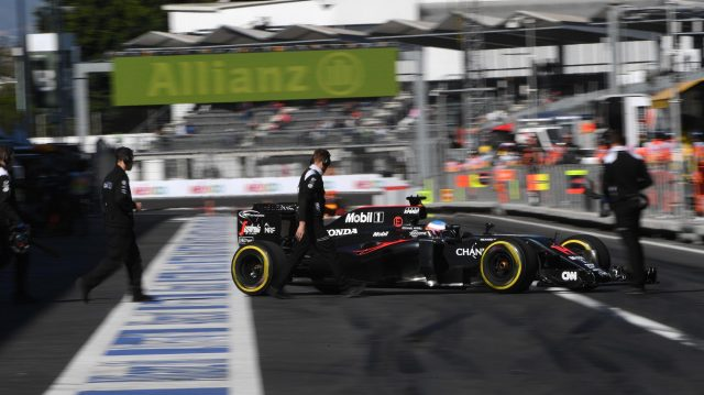 Fernando Alonso (ESP) McLaren MP4-31 at Formula One World Championship, Rd19, Mexican Grand Prix, Qualifying, Circuit Hermanos Rodriguez, Mexico City, Mexico, Saturday 29 October 2016. &copy&#x3b; Sutton Images