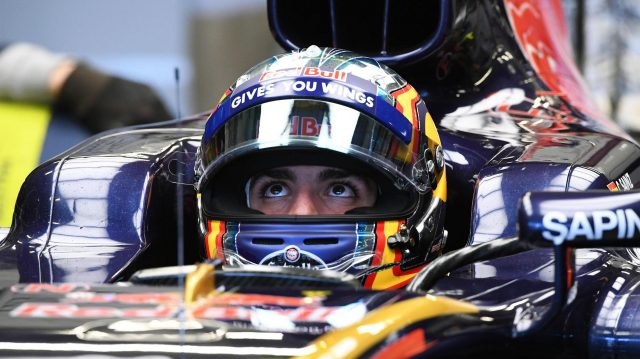 Carlos Sainz (ESP) Scuderia Toro Rosso STR11 at Formula One World Championship, Rd19, Mexican Grand Prix, Qualifying, Circuit Hermanos Rodriguez, Mexico City, Mexico, Saturday 29 October 2016. &copy&#x3b; Sutton Images