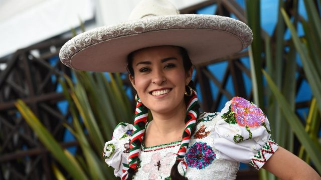 Mexican Dancers at Formula One World Championship, Rd19, Mexican Grand Prix, Race, Circuit Hermanos Rodriguez, Mexico City, Mexico, Sunday 30 October 2016. &copy&#x3b; Sutton Images