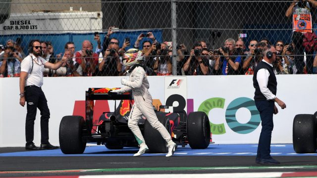 Race winner Lewis Hamilton (GBR) Mercedes AMG F1 celebrates in parc ferme at Formula One World Championship, Rd19, Mexican Grand Prix, Race, Circuit Hermanos Rodriguez, Mexico City, Mexico, Sunday 30 October 2016. &copy&#x3b; Sutton Images