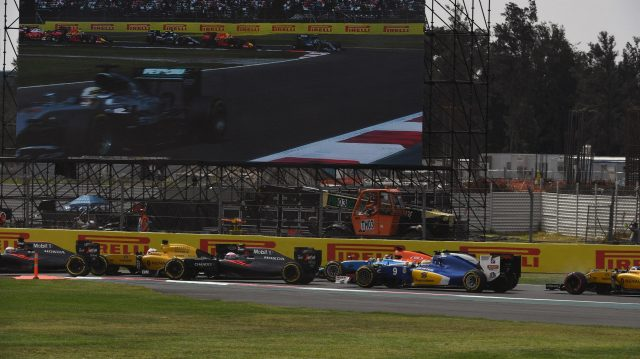 Race start at Formula One World Championship, Rd19, Mexican Grand Prix, Race, Circuit Hermanos Rodriguez, Mexico City, Mexico, Sunday 30 October 2016. &copy&#x3b; Sutton Images