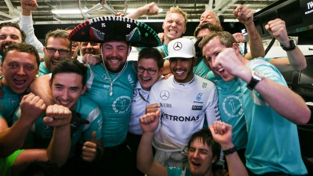 Race winner Lewis Hamilton (GBR) Mercedes AMG F1 celebrates with the team at Formula One World Championship, Rd19, Mexican Grand Prix, Race, Circuit Hermanos Rodriguez, Mexico City, Mexico, Sunday 30 October 2016. &copy&#x3b; Sutton Images