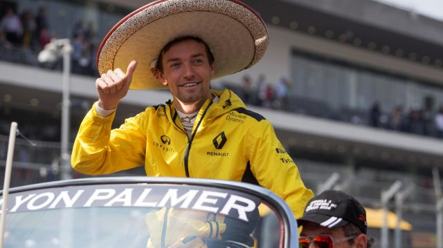 Jolyon Palmer (GBR) Renault Sport F1 Team on the drivers parade on the drivers parade at Formula One World Championship, Rd19, Mexican Grand Prix, Race, Circuit Hermanos Rodriguez, Mexico City, Mexico, Sunday 30 October 2016. &copy&#x3b; Sutton Images