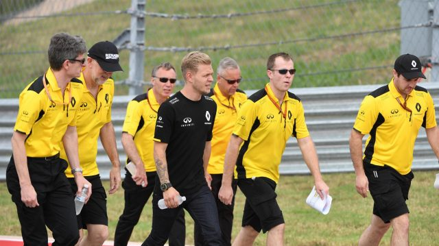 Kevin Magnussen (DEN) Renault Sport F1 Team walks the track at Formula One World Championship, Rd18, United States Grand Prix, Preparations, Circuit of the Americas, Austin, Texas, USA, Thursday 20 October 2016. &copy&#x3b; Sutton Images
