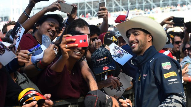 Daniel Ricciardo (AUS) Red Bull Racing fans selfie at Formula One World Championship, Rd18, United States Grand Prix, Practice, Circuit of the Americas, Austin, Texas, USA, Friday 21 October 2016. &copy&#x3b; Sutton Images