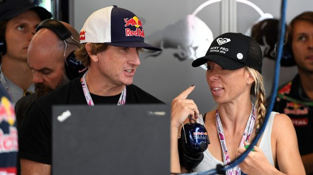 Robbie Naish (USA) Surfing legend in the Red Bull Racing garage at Formula One World Championship, Rd18, United States Grand Prix, Practice, Circuit of the Americas, Austin, Texas, USA, Friday 21 October 2016. &copy&#x3b; Sutton Images