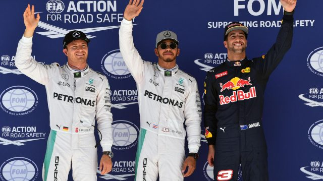 (L to R): Nico Rosberg (GER) Mercedes AMG F1, pole sitter Lewis Hamilton (GBR) Mercedes AMG F1 and Daniel Ricciardo (AUS) Red Bull Racing celebrate in parc ferme at Formula One World Championship, Rd18, United States Grand Prix, Qualifying, Circuit of the Americas, Austin, Texas, USA, Saturday 22 October 2016. &copy&#x3b; Sutton Images