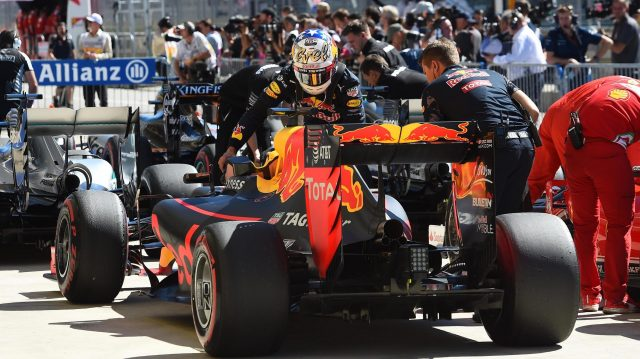 Daniel Ricciardo (AUS) Red Bull Racing celebrates in parc ferme at Formula One World Championship, Rd18, United States Grand Prix, Qualifying, Circuit of the Americas, Austin, Texas, USA, Saturday 22 October 2016. &copy&#x3b; Sutton Images