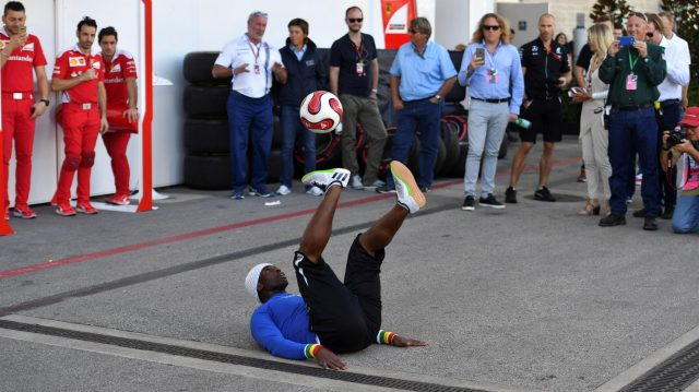 Iya Traore (FRA) Freestyle Soccer Player at Formula One World Championship, Rd18, United States Grand Prix, Qualifying, Circuit of the Americas, Austin, Texas, USA, Saturday 22 October 2016. &copy&#x3b; Sutton Images