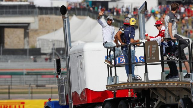 Lewis Hamilton (GBR) Mercedes AMG F1, Kimi Raikkonen (FIN) Ferrari and drivers on the drivers parade at Formula One World Championship, Rd18, United States Grand Prix, Race, Circuit of the Americas, Austin, Texas, USA, Sunday 23 October 2016. &copy&#x3b; Sutton Images