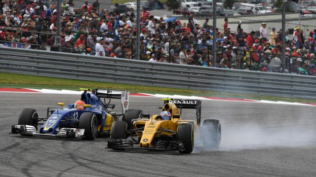 Felipe Nasr (BRA) Sauber C35 and Kevin Magnussen (DEN) Renault Sport F1 Team RS16 battle and locks up at Formula One World Championship, Rd18, United States Grand Prix, Race, Circuit of the Americas, Austin, Texas, USA, Sunday 23 October 2016. &copy&#x3b; Sutton Images