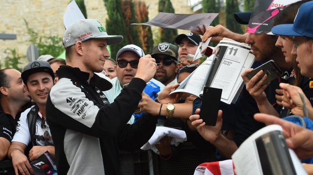 Nico Hulkenberg (GER) Force India F1 signs autographs for the fans at Formula One World Championship, Rd18, United States Grand Prix, Race, Circuit of the Americas, Austin, Texas, USA, Sunday 23 October 2016. &copy&#x3b; Sutton Images