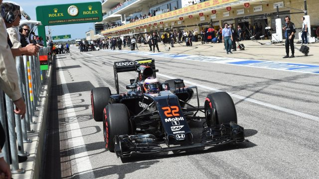 Jenson Button (GBR) McLaren MP4-31 at Formula One World Championship, Rd18, United States Grand Prix, Race, Circuit of the Americas, Austin, Texas, USA, Sunday 23 October 2016. &copy&#x3b; Sutton Images