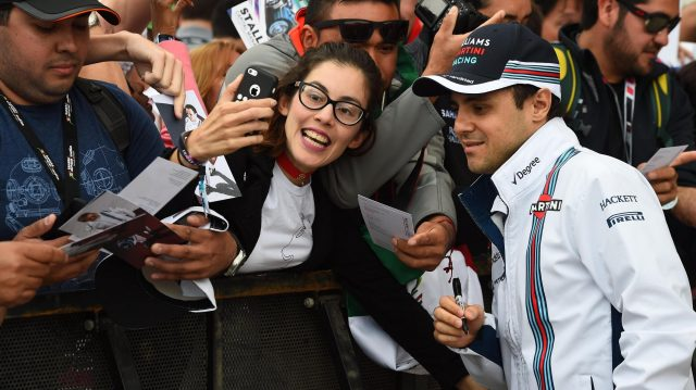 Felipe Massa (BRA) Williams fans selfie at Formula One World Championship, Rd18, United States Grand Prix, Race, Circuit of the Americas, Austin, Texas, USA, Sunday 23 October 2016. &copy&#x3b; Sutton Images
